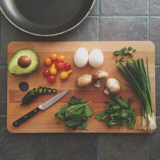 Fresh food for meal preparation - Photo by Katie Smith on Unsplash